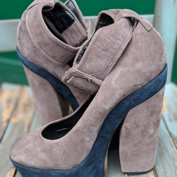 6834acd5b6ba Dolce Vita  Jevan  Platform Heels Ankle Strap 8.5M